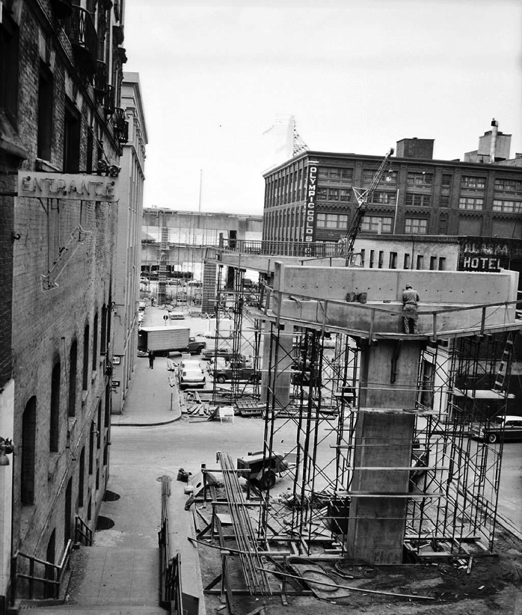 725ac5b00b4c Seneca Street exit ramp under construction ...