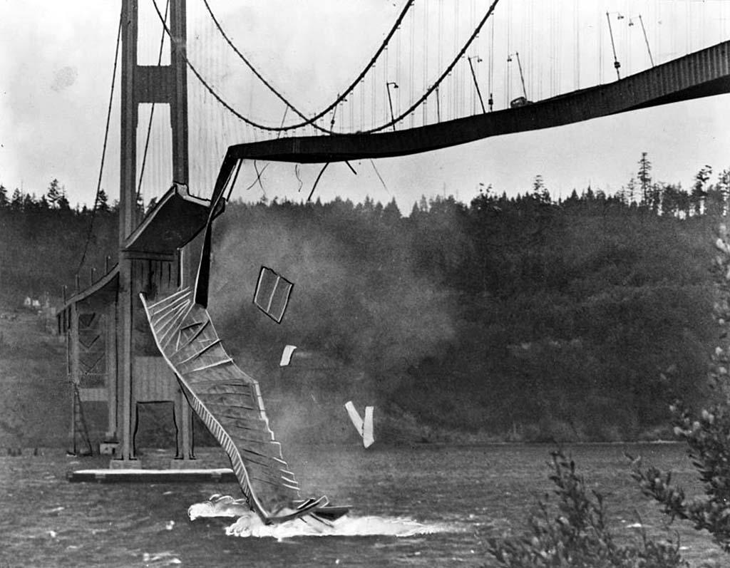 tacoma narrows bridge collapses on november 7  1940