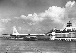 the boeing 707 essay Just interested in the subject of boeing vs douglas and how the 707 gained the advantage over the dc-8 i know pan am bought initial equal batches.