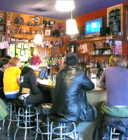 cafe racer: seattle's famously quirky dive - historylink