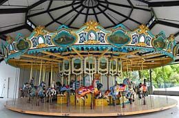 Historic 1918 carousel opens at Seattle's Woodland Park ...